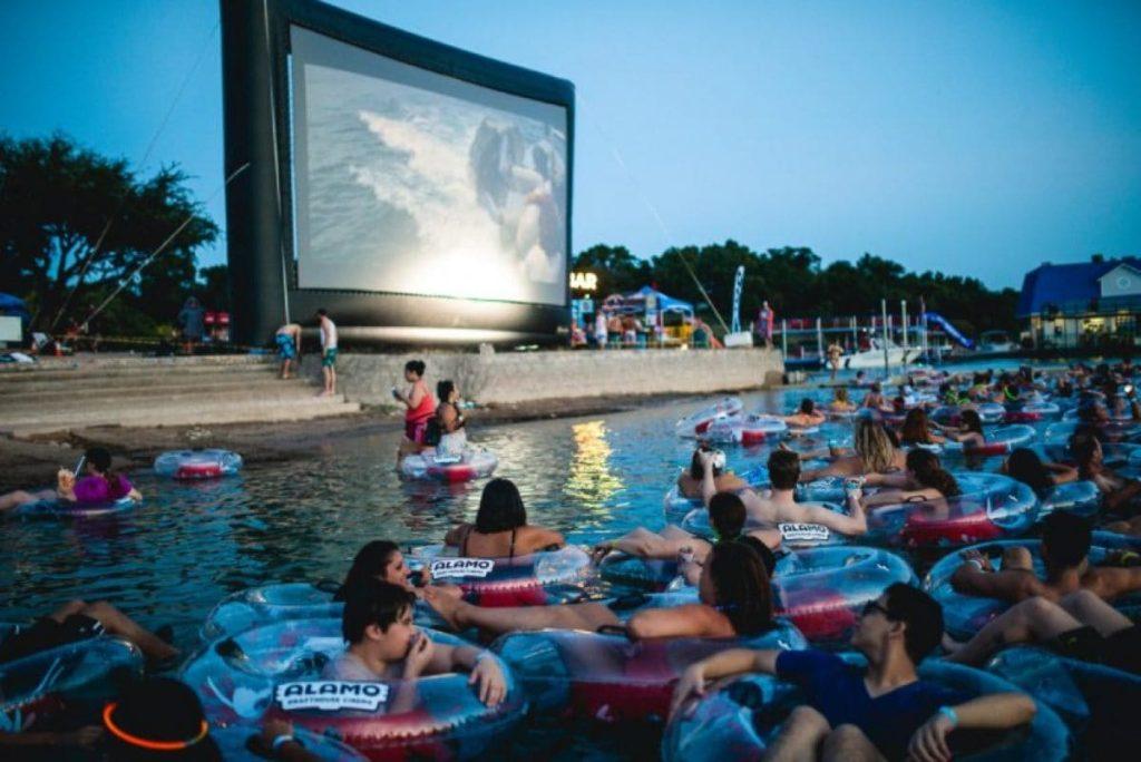 面白映画館、世界の面白映画館、個性的、映画館、面白い、JAWS