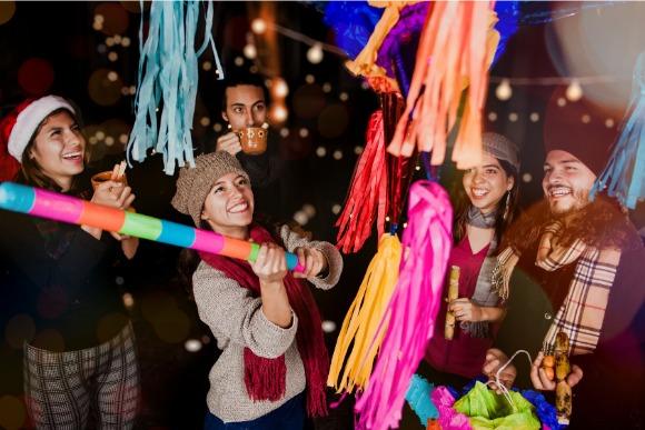 クリスマス、世界のクリスマス、世界、面白い、個性的、ユニーク、メキシコ、ピニャータ