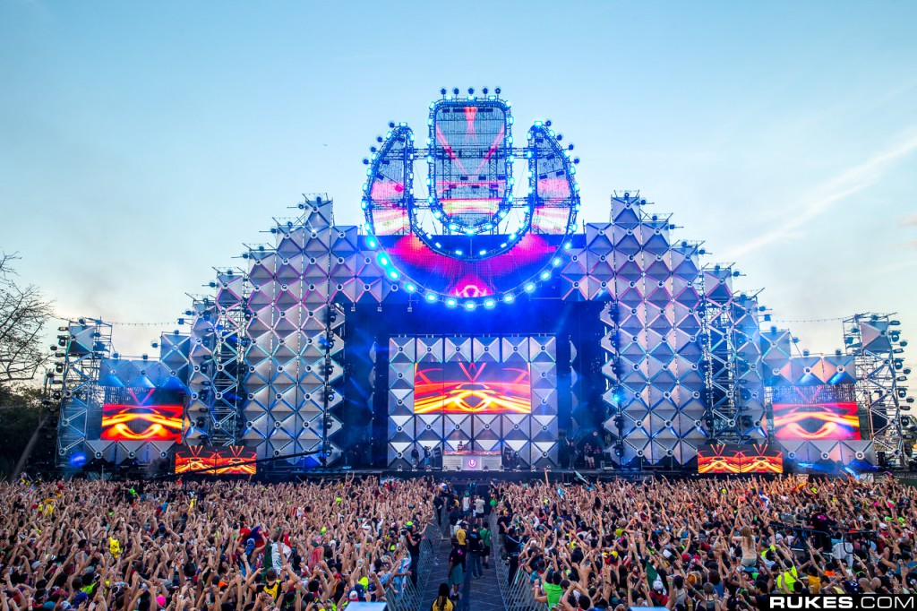 EDM-stage-design-ultra-main-stage-2013