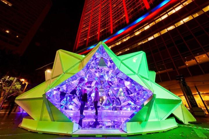 http-::retaildesignblog.net:2015:06:28:light-origami-installation-by-masakazu-shirane-reuben-young-sydney-australia: