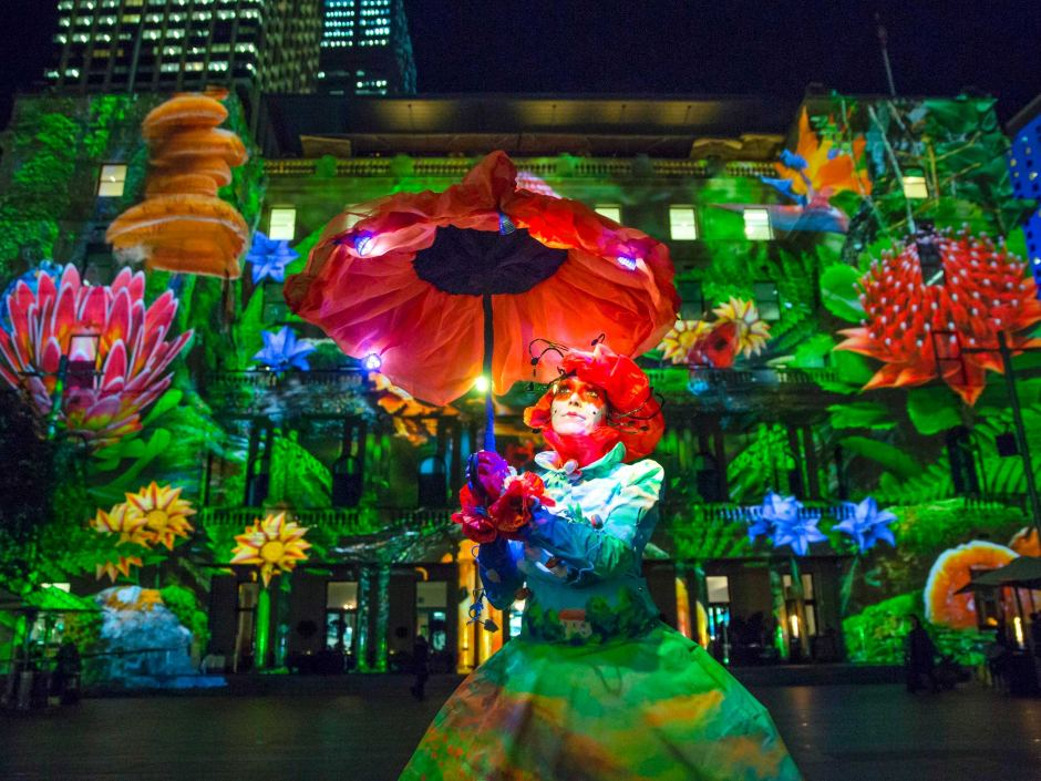 http-::www.abc.net.au:news:2015-05-22:vivid-sydney-city-landmarks-light-up-for-annual-festival:6489782:2
